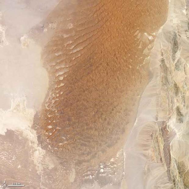 dasht-e-lut-desert-iran-620x620