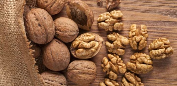 walnuts-whole-and-shelled-facebook-620x301