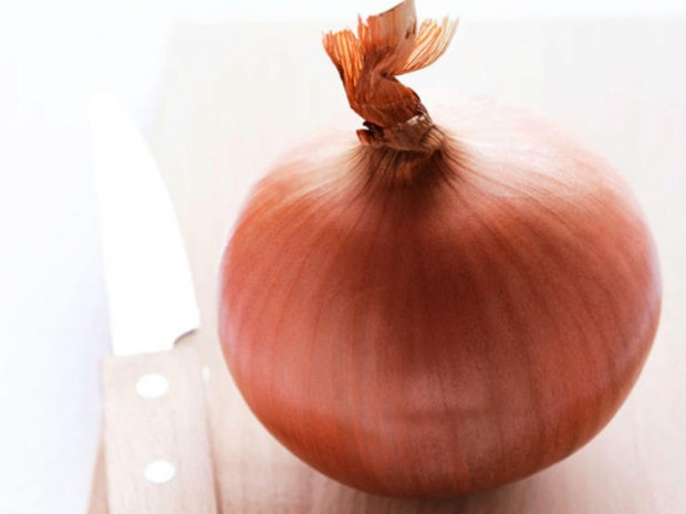 cut-onion-ts-200253726-001-620x465